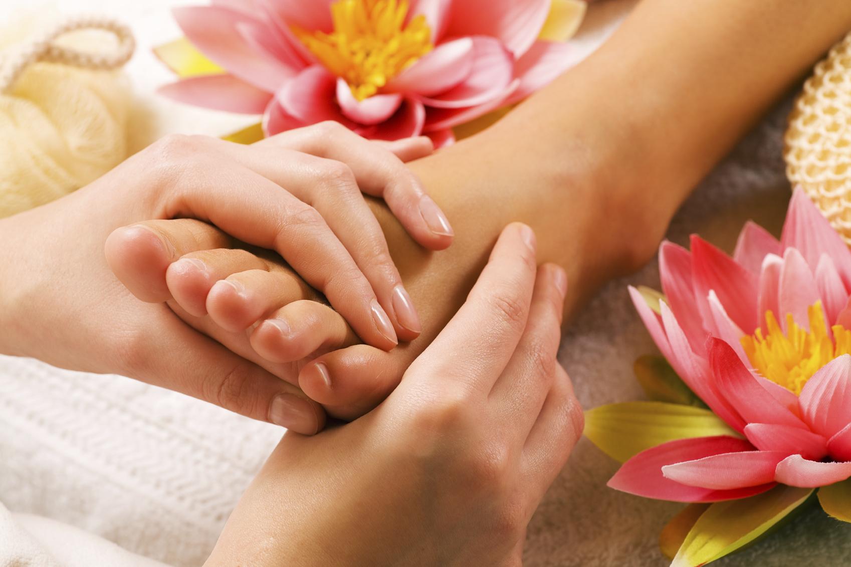 reflexology treatments foot massage mahogany salon and spa